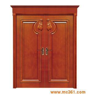红色木纹门装修效果图