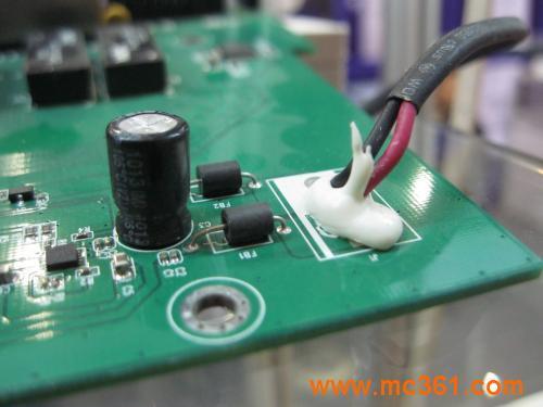 保护电路板元件的材料