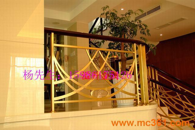 别墅欧式旋转楼梯 高档室内楼梯护栏厂家